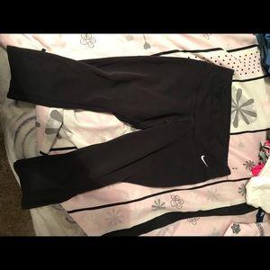 Black Capri dry fit Nike leggings